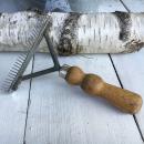 Holzstriegel